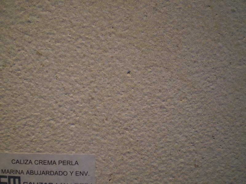 Caliza Crema Perla Marina abujardado y envejecido